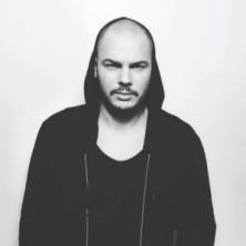 Hip Hop Drummer Charly Beat aus Stuttgart spielt für Dinorado