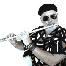 Hip Hop Drummer Charly Beat aus Stuttgart spielt mit Flötist Howlin' Wind aus Melbourne, Australien