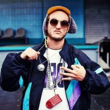Hip Hop Drummer Charly Beat aus Stuttgart spielt bei Rapper Galv